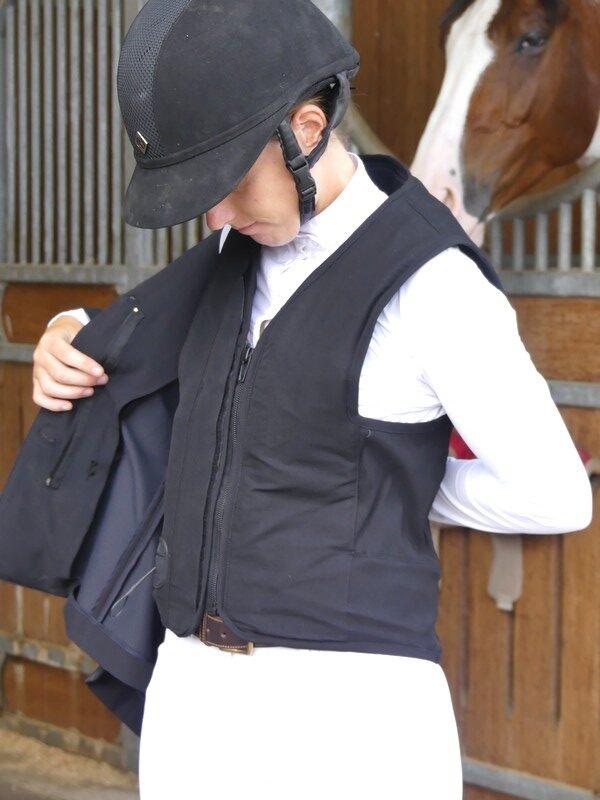 veste-pour-airbag-compatible-virginia-askara-allshot-équitation-élégance