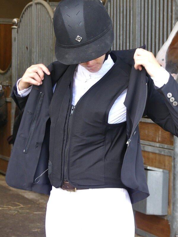 veste-pour-airbag-intégré-compatible-virginia-askara-allshot-équitation-élégance