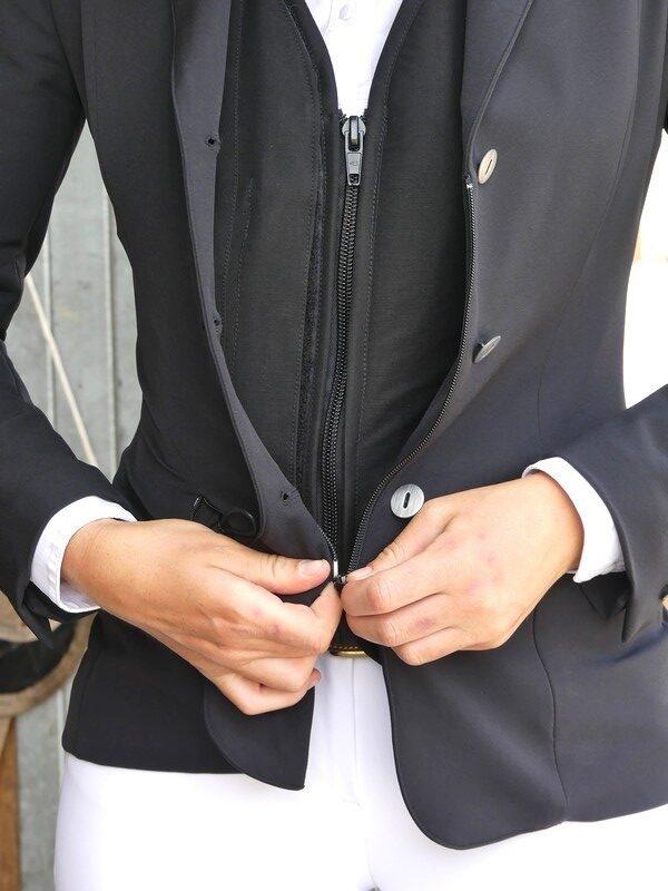 veste-pour-airbag-intégré-compatible-virginia-askara-allshot-équitation-élégance-cavaliere